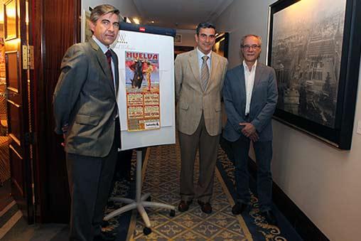 Los empresarios de La Merced junto al cartel y Salvador Boix.