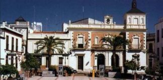 Fachada del Ayuntamiento de Valverde del Camino.