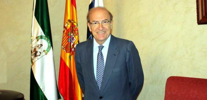 Pedro Rodríguez, alcalde de Huelva, ofrece la bienvenida al nacimiento de HUELVA TAURINA.