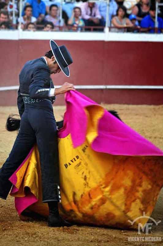 Buena verónica de David Mora hoy en Almonte. (FOTO: Vicente Medero)