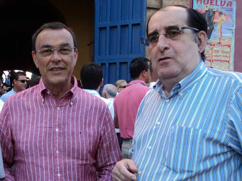 El presidente de Diputación, Ignacio Caraballo, junto a Vicente Parra.