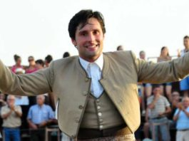 El rejoneador onubense Andrés Romero abrirá el festival de Trigueros.