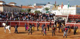 Paseíllo en un pasado festival de Trigueros.