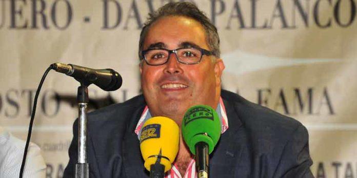 El periodista taurino onubense Javier García-Baquero. (FOTO: Vicente Medero)