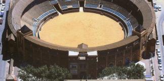 Vista de la plaza de toros de Huelva.