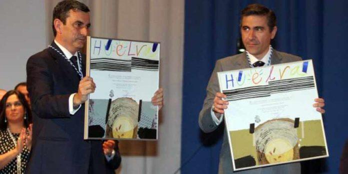 Carlos Pereda y Óscar Polo con las distinciones.