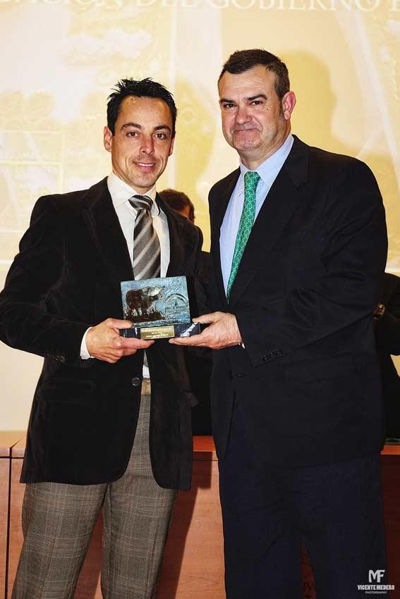 Trofeo a Pedro Muriel.