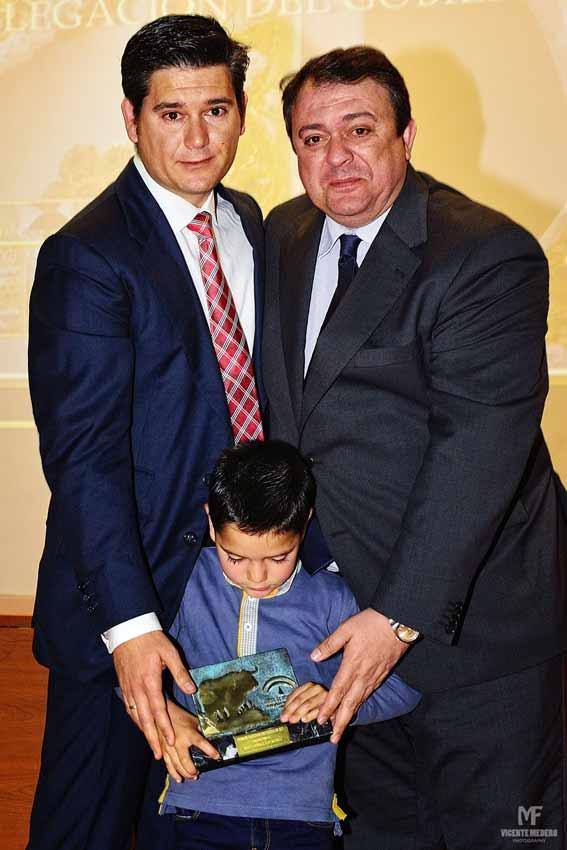 Trofeo a Raúl Corralejo.
