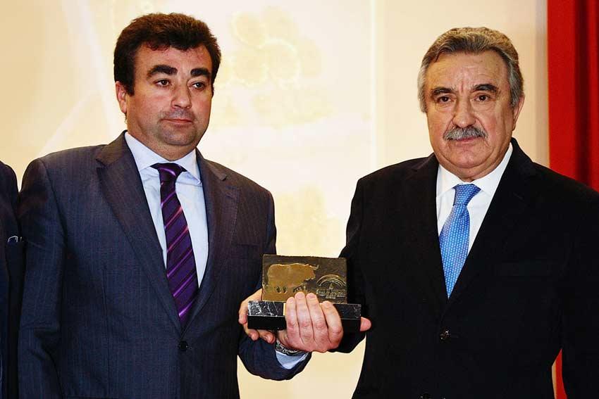 Trofeo al centenario de Santa Olalla.