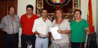 Firma del acuerdo para la organización de las capeas en Trigueros