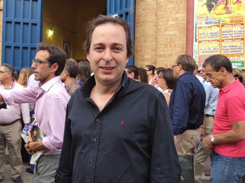 Manuel Remesal, concejal de Fiestas del Ayuntamiento, antes de entrar a la plaza.