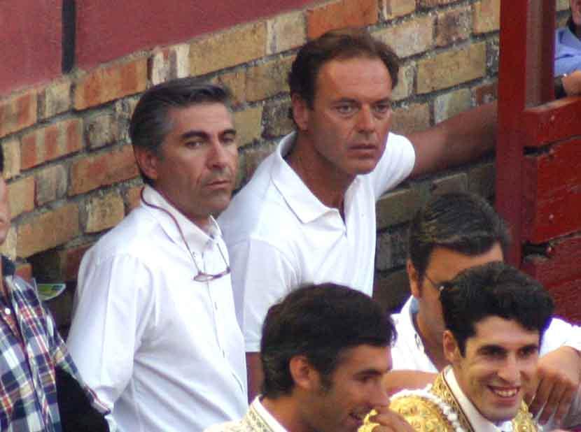 El empresario ÓScar Polo junto al torero y apoderado Fernando Cepeda.