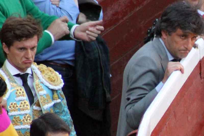 El mismo gesto une a Lama de Góngora y Jorge Buendía.