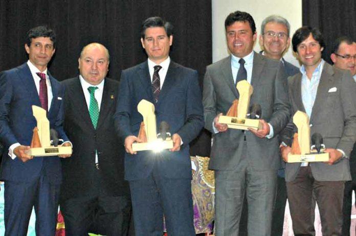 Los premiados por la Peña 'José Doblado' de Palos. (FOTO: Pepe Plaza)
