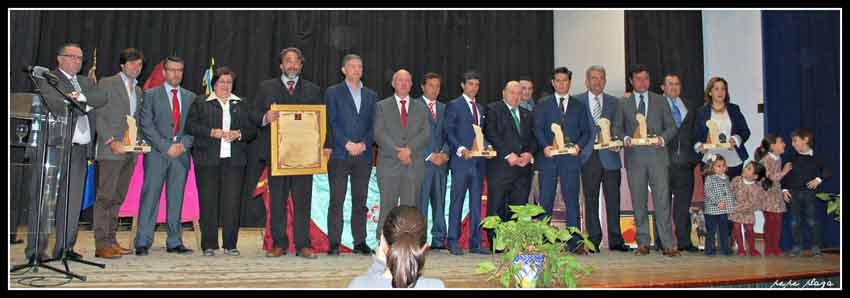 Foto final con todos los premiados.