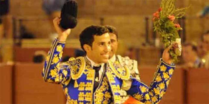 Buena nota en el debut de David de Miranda en la Maestranza. (FOTO: López-Matito)