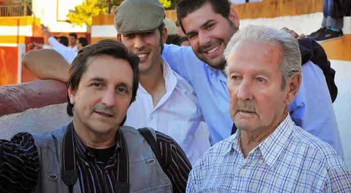 Nuestro compañero Pepe Plaza, junto a su padre, Manuel Prieto 'Manolín'. (FOTO: Vicente Medero)