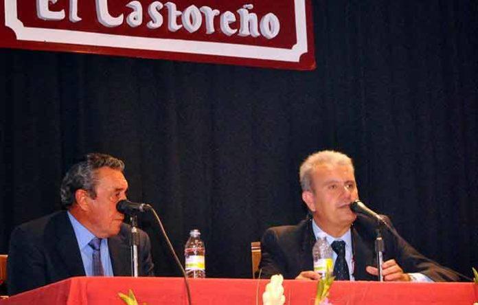 Fernando Cuadri durante la charla en San Juan del Puerto. (FOTO: Arizmendi)