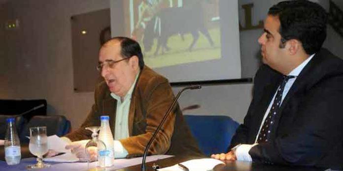 Vicente Parra durante la charla celebrada en Huelva. (FOTO: Arizmendi)