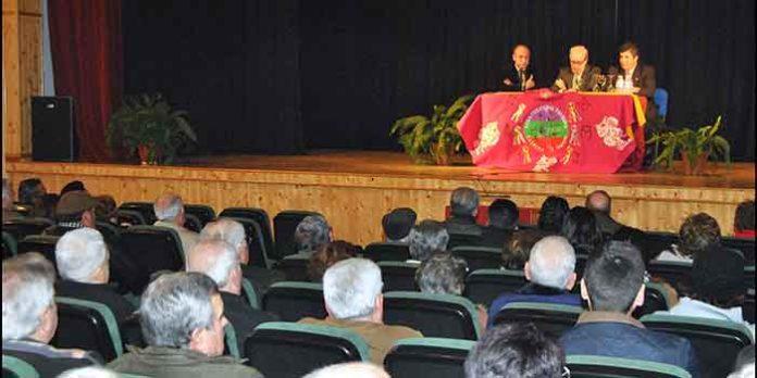 José Luis Benlloch en el concurrido acto de la Peña Taurina 'La Divisa' celebrado en Trigueros. (FOTO: Arizmendi)