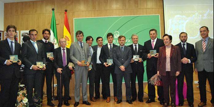 Imagen de todos los premiados por la Junta de Andalucía en Huelva. (FOTO: Arizmendi)