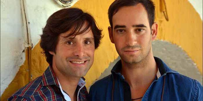 El jinete onubense Andrés Romero y el hasta hoy su apoderado, Jorge Cutiño. (FOTO: Arizmendi)